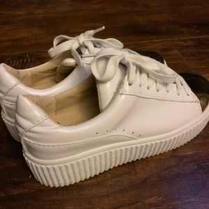 156034d999f8 White Platform Sneakers Size 6 (36) 90s Vibes 👟